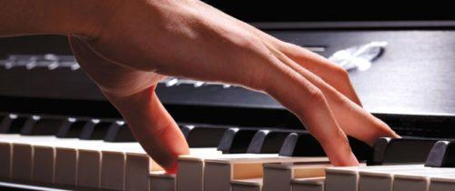 Live pianist optreden piano klassiek handen